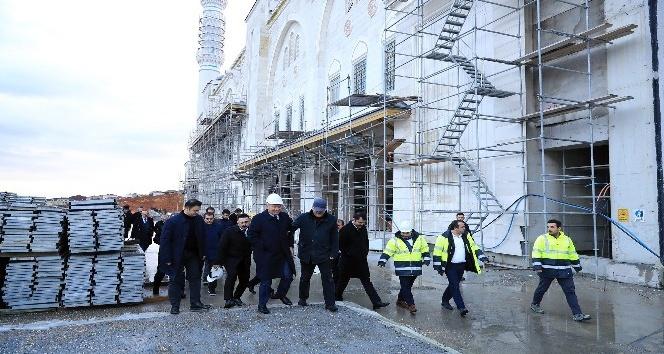Başkan Uysal, Çamlıca Camii'nde incelemelerde bulundu