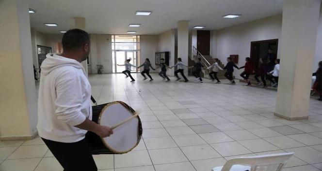 Halk oyunları ekibi Tekirdağ'ı Türkiye Şampiyonası'nda temsil edecek