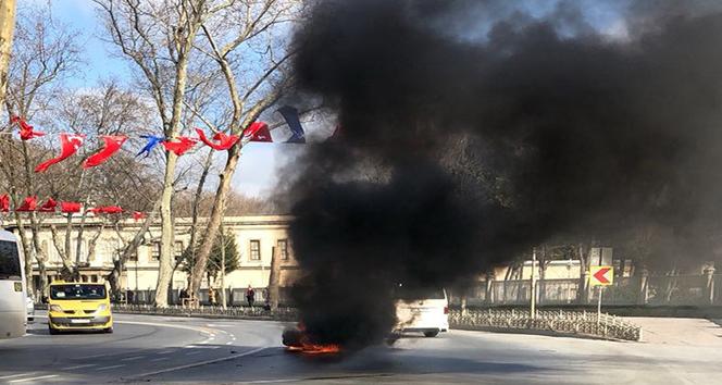 Beşiktaşta kaza yapan motosiklet alev alev yandı