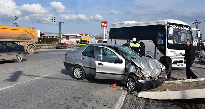 Sakaryada tır ile otomobil çarpıştı: 3 yaralı