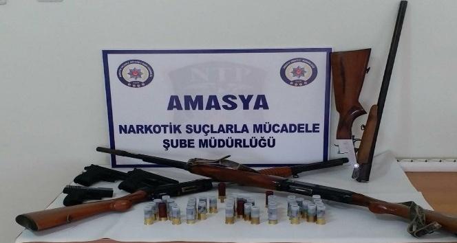 Amasya merkezli suç örgütü operasyonunda 9 gözaltı