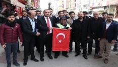 Karabükte esnafa Türk bayrağı dağıtıldı