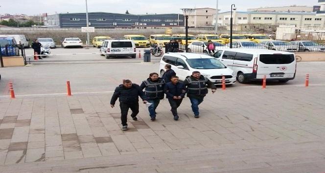 Polisim dedi, polise yakayı ele verdi
