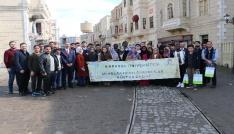 """KBÜde okuyan uluslararası öğrenciler """"Payitaht Abdülhamid"""" setini gezdi"""