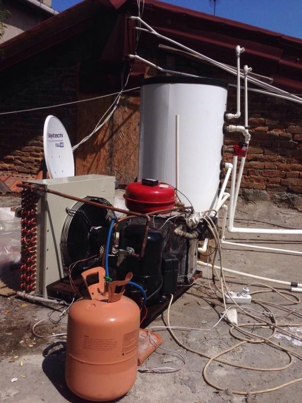 Karadeniz fıkrası gibi keşif: Evini buzdolabıyla ısıtıyor