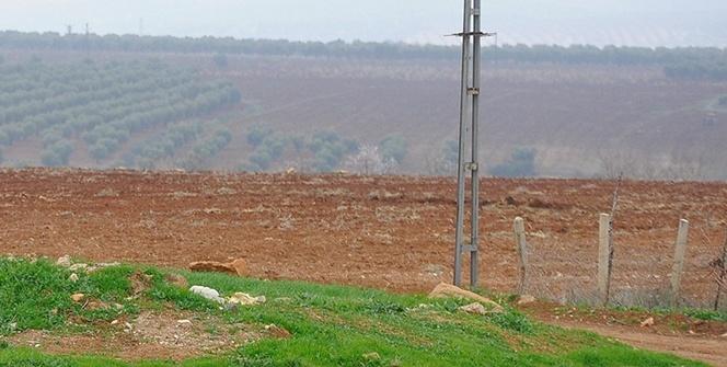 Suriye'den atılan 3 roket Kilis kırsalındaki boş arazilere düştü