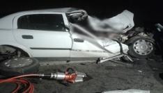 Pat pata çarpan otomobil hurdaya döndü: 1 ölü, 3 yaralı