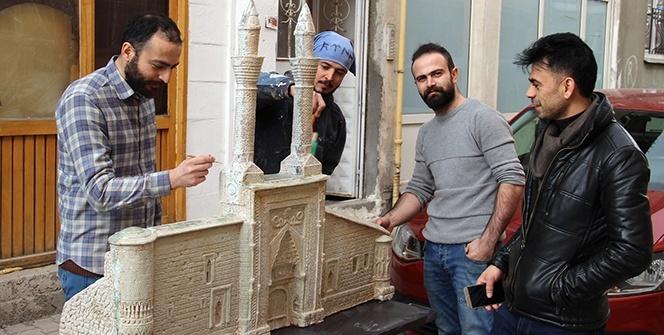 Çifte minarenin minyatürüne paha biçilemiyor