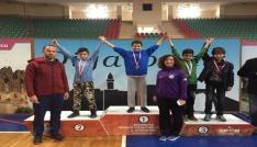 Diyarbakır Bilfen-Bilnet Okulları karatede rakip tanımıyor