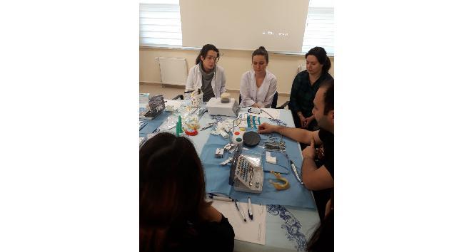 Diş hekimlerine implant eğitimi