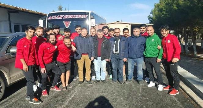 Şuhut Belediye Hisarspor, Çal Belediyesporu 2-0 mağlup etti
