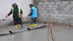 Akçakalede evleri su bastı