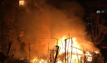 Fatihte korkutan gecekondu yangını