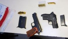Polisin uygulamasında ruhsatsız silah ele geçirildi