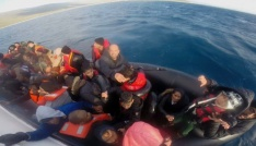 İzmirde 50 kaçak göçmen yakalandı