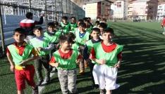 Hizanda futbol okulu açıldı
