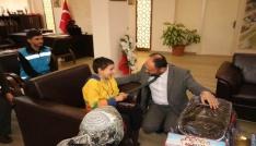 Başkan Özaltun, bedensel engelli Toprakı misafir etti