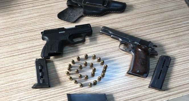 Viranşehirde 2 adet ruhsatsız tabanca ele geçirildi