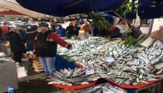 Balık tezgahları şenlendi