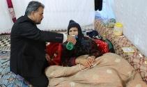Teröristlerin yaraladığı annesini 10 kilometre sırtında taşıdı