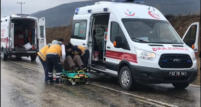 Ispartada trafik kazası: 2 yaralı