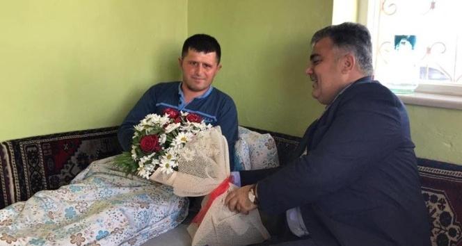 Başkan Özgüven Afrin gazisini ziyaret etti