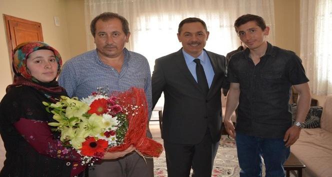 Başkan Uysal, Gazi Serkan Arıkı ziyaret etti