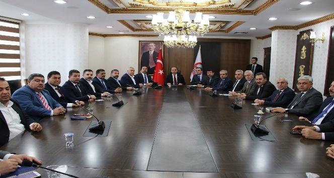 Şanlıurfa Cumhurbaşkanı Erdoğanı karşılamaya hazırlanıyor