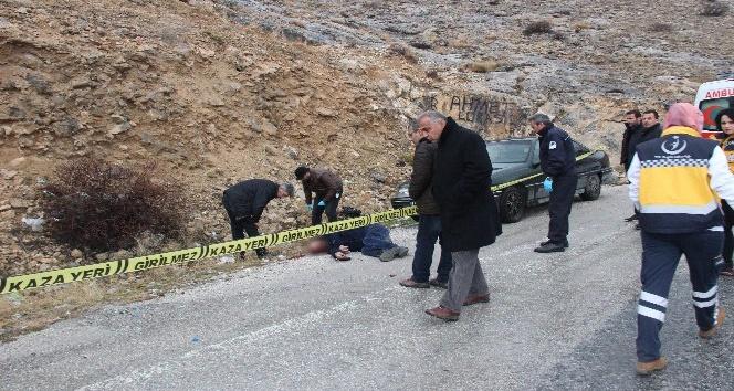 Konyada yol kenarında ceset bulundu