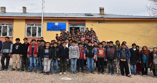 Köy öğrencilerinden Mehmetçiğe destek