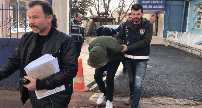 Konyada 3 bin litre mazot çalan hırsızlar kovalamaca sonucu yakalandı