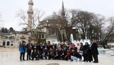 Avustralyalı Türk asıllı öğrenciler Eyüpsultanı gezdi