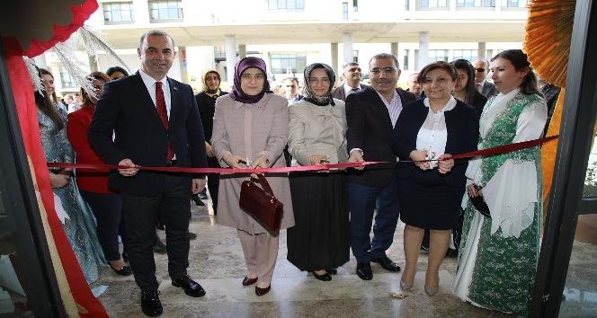 Yüreğir Belediyesi, Bilim ve Teknoloji Üniversitesinde sergi açtı