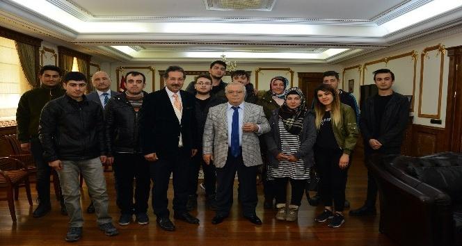 Devletin çocukları Vali Necati Şentürkü ziyaret etti
