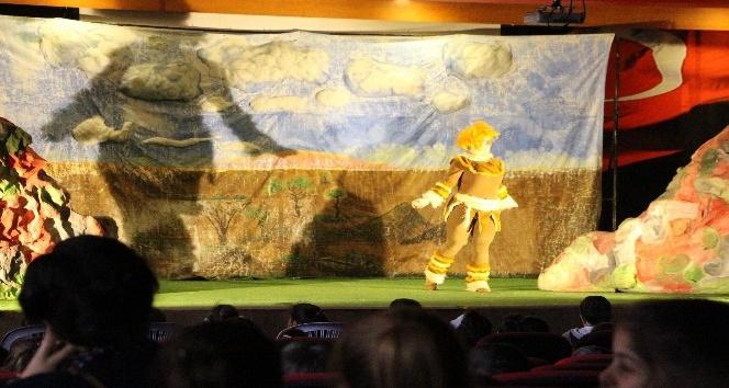 Silopide minik öğrencilere yönelik tiyatro etkinliği