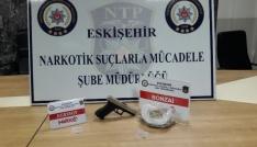 Uyuşturucu satıcısı 2 kişi yakalandı