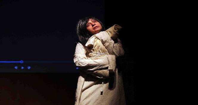 Hocalı Katliamında hayatını kaybedenler tiyatro oyunuyla anıldı