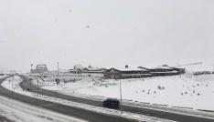 Kayak severlere müjde: Erciyeste kar sezonu uzadı