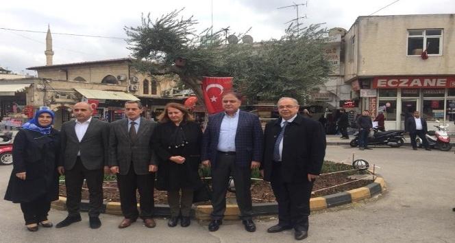 Vali Kalkancı ve Başkan Kutlu Mehmetçiğe destek için Kilise gitti