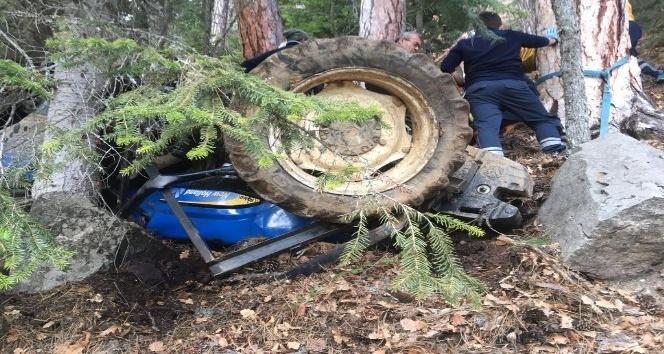 Karabükte traktör şarampole yuvarlandı: 2 yaralı