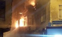 Ispartada yanan ahşap ev kullanılamaz hale geldi