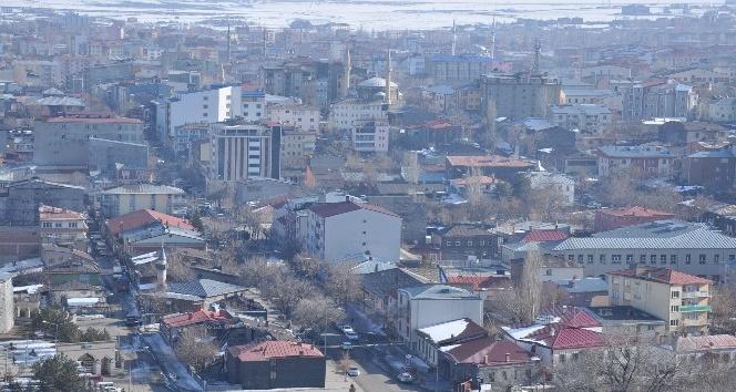 TÜİK açıkladı Karsın nüfusu 2025te 263 bine düşecek