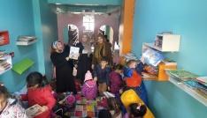 Sasonda anaokulu öğrencileri kütüphaneyi gezdi