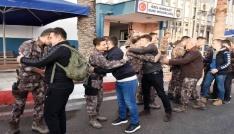 Mersinde özel hareket polisleri Afrine uğurlandı