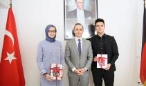 Almanyada en başarılı Türk öğrenciler ödüllerini aldı