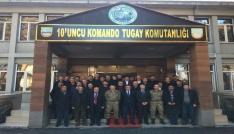 """Kaymakam Özkan ve muhtarlardan Komando Tugayına """"Başsağlığı"""" ziyaret"""