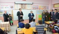 Safranboluda öğrencilere 7 bin 500 kitap dağıtıldı