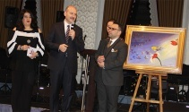 Bakan Soylunun kırılmaktan son anda kurtulan tablosu 500 bin liraya satıldı
