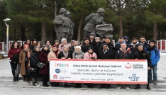 Avustralyadaki Türkler, şehitlikleri ziyaret etti