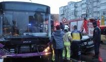 Beşiktaşta otobüs otomobile çarptı: 1 yaralı